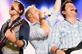 Rascal Flatts, Scotty McCreery & RaeLynn at Farm Bureau Live