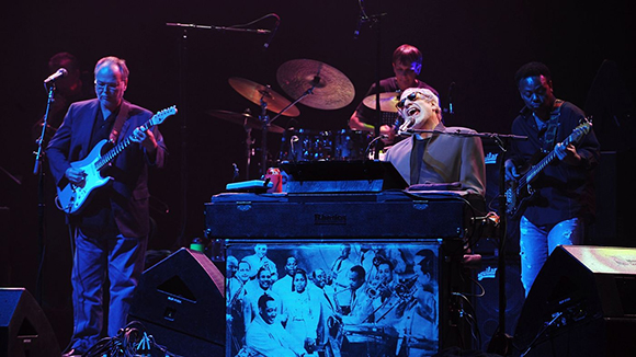 Steely Dan & Steve Winwood at Veterans United Home Loans Amphitheater