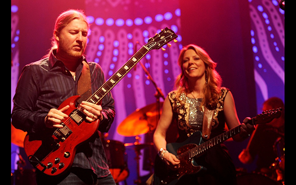 Tedeschi Trucks Band & The Wood Brothers at Veterans United Home Loans Amphitheater